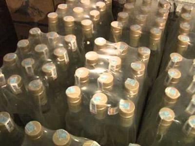 Более двух тысяч незаконного алкоголя изъяли в Томске