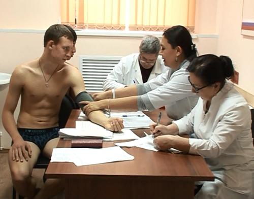 Медицинский осмотр молодых парней фото 589-667