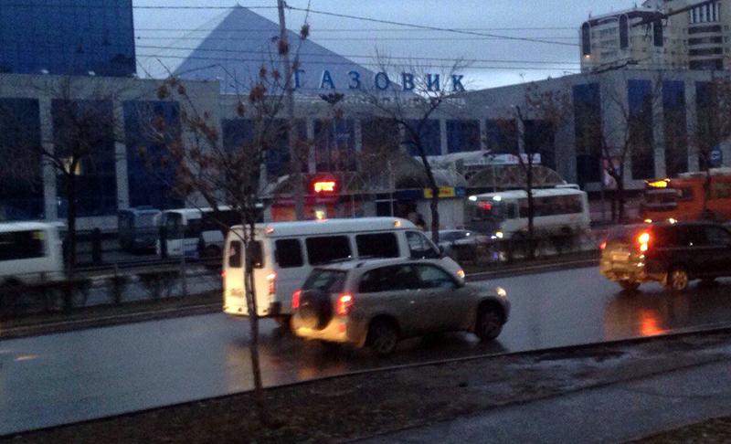 Следователи Оренбурга проверяют сообщение опадении женщины изавтобуса