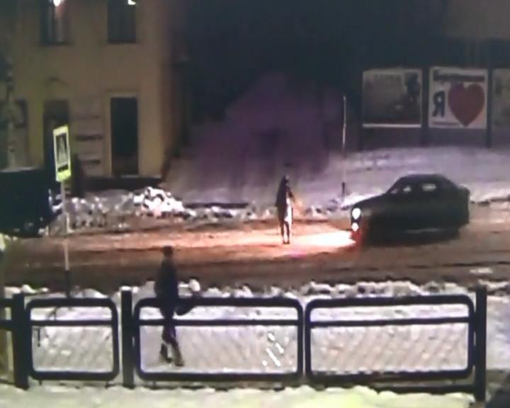 80-летний шофёр сбил школьницу и убежал сместа ДТП