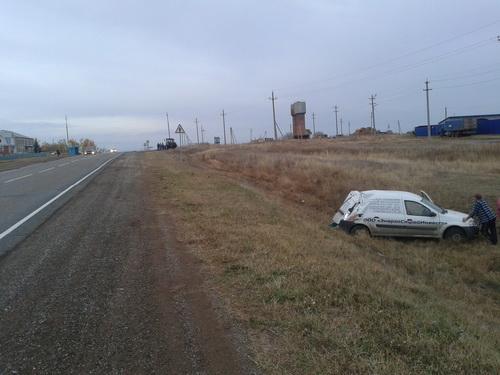 ВШарлыкском районе вДТП пострадал шофёр «Ларгуса»