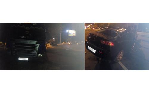 Ночью напроспекте Гагарина города Оренбурга столкнулись автомобили «Мицубиси» и«Скания»