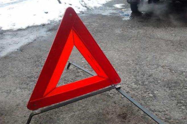 Натрассе «Оренбург— Казань» столкнулись трактор илегковушка. умер шофёр