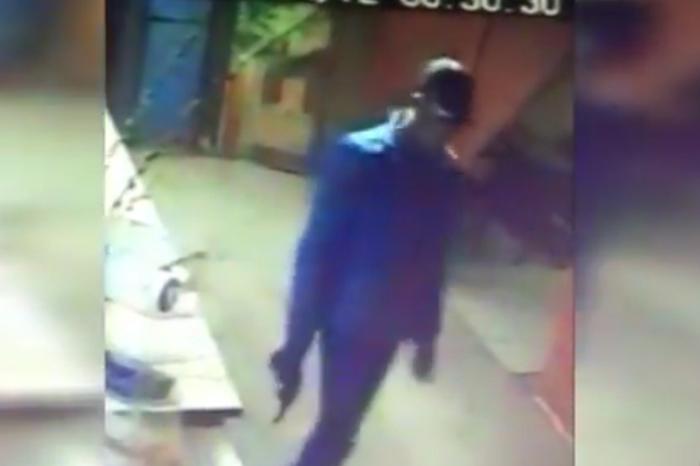 Продавщица магазина вОрске отбилась от преступника спистолетом