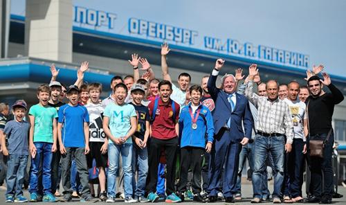 Школьник изКБР стал победителем главенства Европы повольной борьбе
