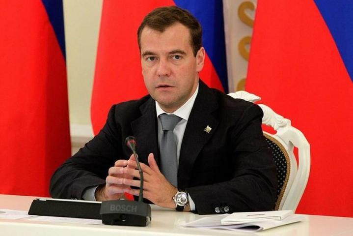 Медведев: бедность— оборотная сторона недоразвитой экономики