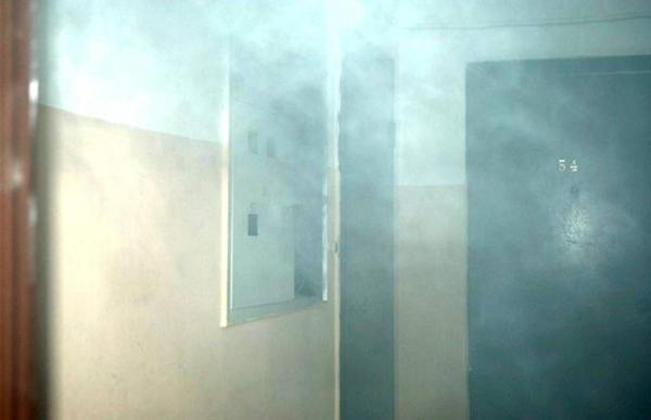 ВОренбурге пожарные спасли изгорящего дома троих взрослых иподростка