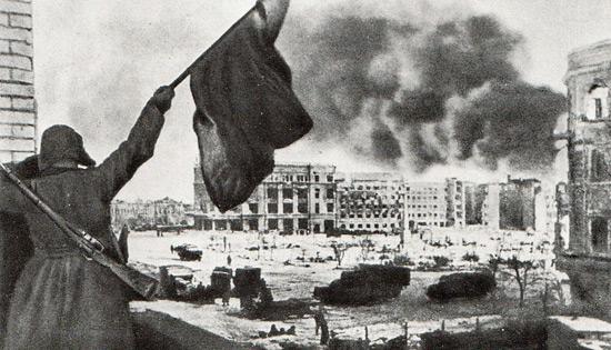 Туляки станцевали «Случайный вальс» впамять опобеде вСталинградской борьбе