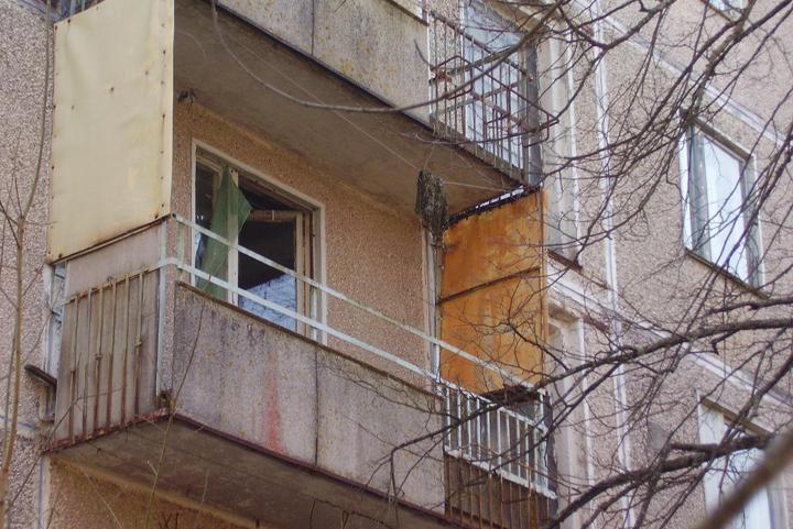 ВОренбурге женщина выпала изокна квартиры нашестом этаже