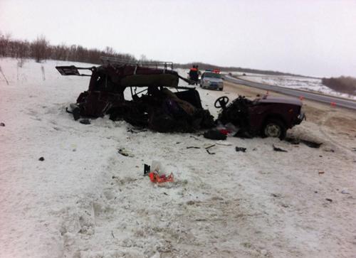 Кошмарная авария около поселка Заречье. ВАЗ разнесло начасти