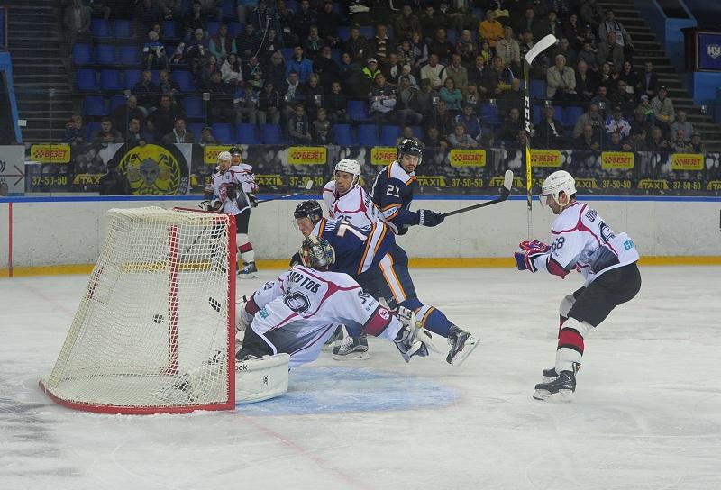 «Рубин» заработал первые очки вчемпионате ВХЛ